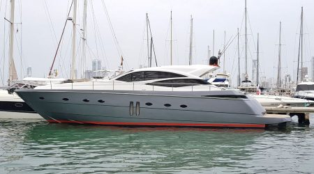 bachelor-party-cartagena-yacht-rentals-pershing62-01