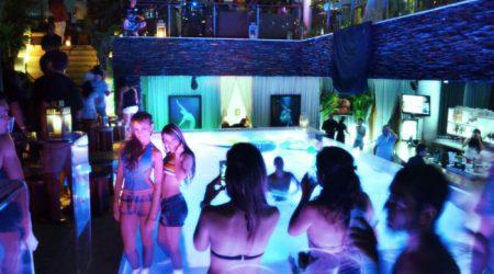 bachelor-party-medellin-nightlife-lleras-park-clubs
