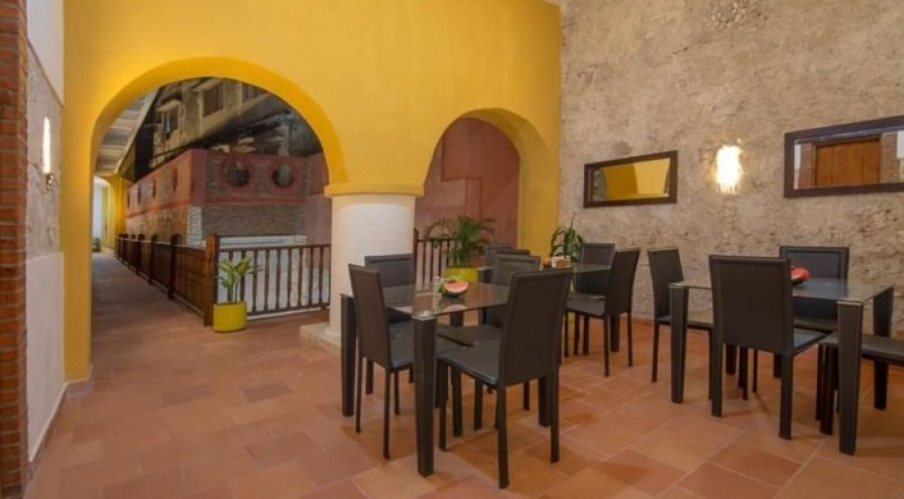 bachelor-party-tour-colombia-vacation-rentals-accommodation-cartagena-1008