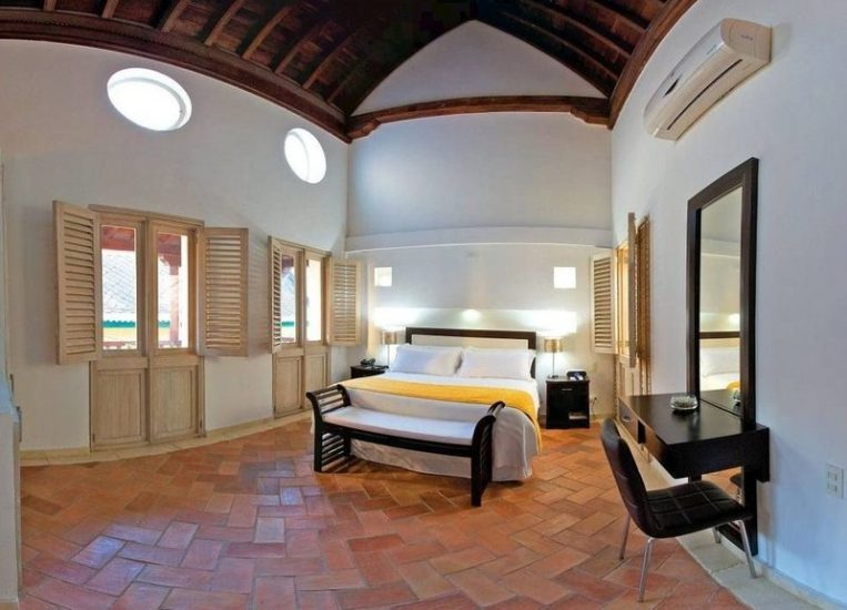 bachelor-party-tour-colombia-vacation-rentals-accommodation-cartagena-1025