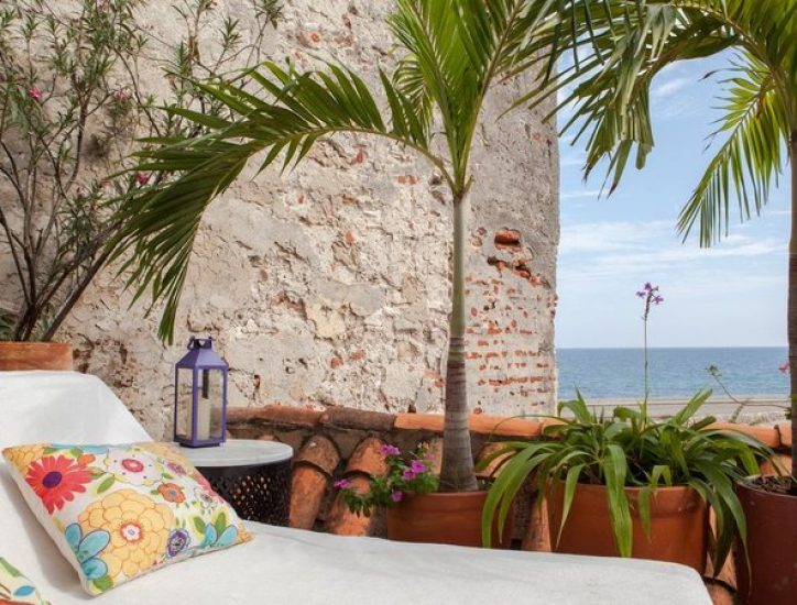 bachelor-party-tour-colombia-vacation-rentals-accommodation-cartagena-590