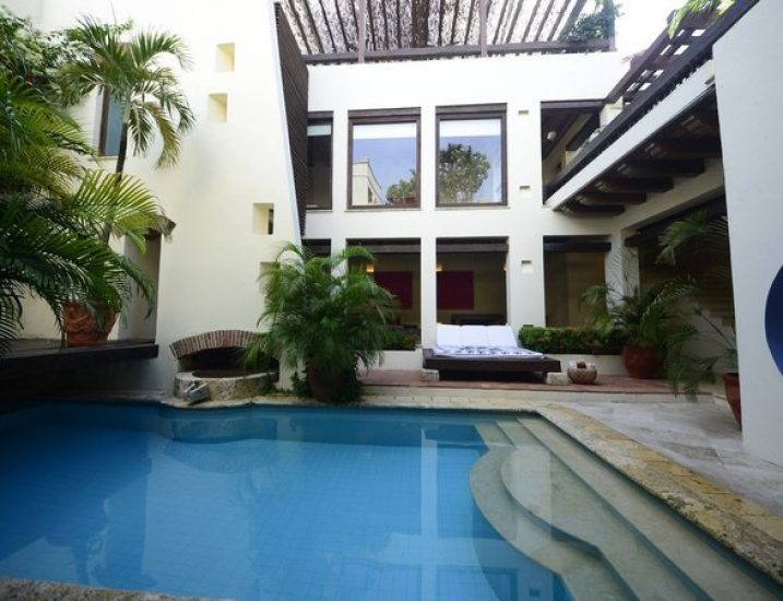 bachelor-party-tour-colombia-vacation-rentals-accommodation-cartagena-735