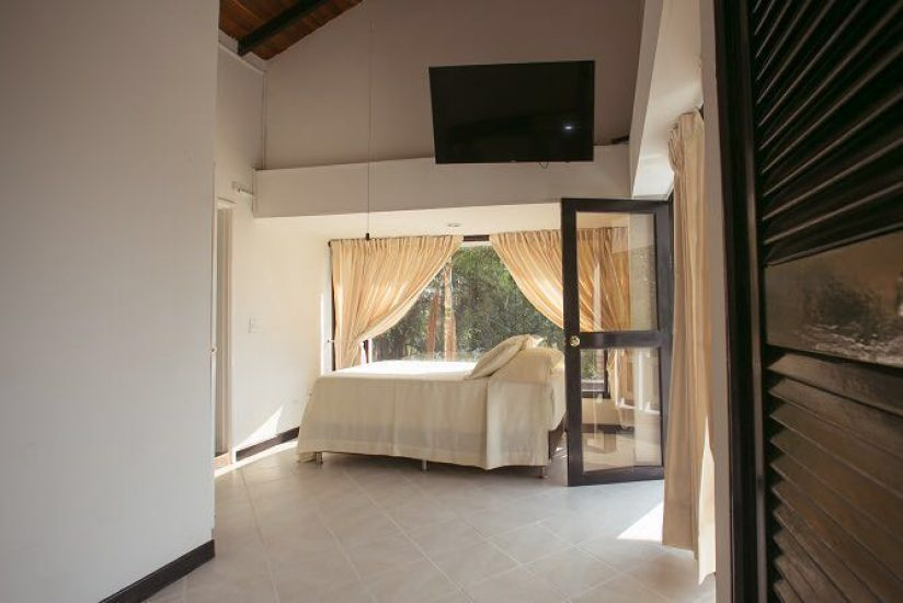 bachelor-party-tour-colombia-vacation-rentals-accommodation-medellin-5