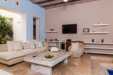 luxury-pool-restored-house-vacation-rentals-cartagena-colombia (1)
