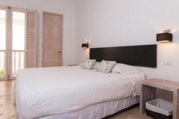 luxury-pool-restored-house-vacation-rentals-cartagena-colombia (13)