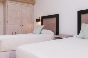 luxury-pool-restored-house-vacation-rentals-cartagena-colombia (15)