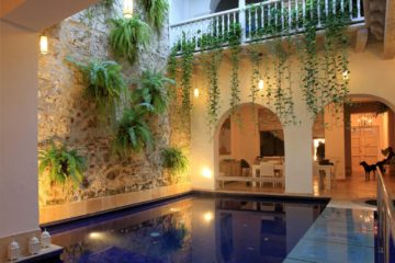luxury-pool-restored-house-vacation-rentals-cartagena-colombia (17)