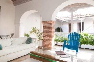 luxury-pool-restored-house-vacation-rentals-cartagena-colombia (2)