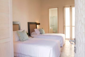 luxury-pool-restored-house-vacation-rentals-cartagena-colombia (22)