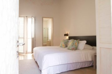 luxury-pool-restored-house-vacation-rentals-cartagena-colombia (23)