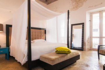 luxury-pool-restored-house-vacation-rentals-cartagena-colombia (7)