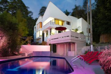 Vacation-Rental-Medellin-bachelor-party-Airbnb-01