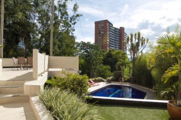 Vacation-Rental-Medellin-bachelor-party-Airbnb-08