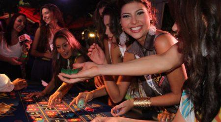 """-En el Casino Rìo se realizò el evento Winner Gorup""""Jugado con el CorazÚn con la participaciÚn de las candidatas al Reinado Nacional de Belleza 2012"""