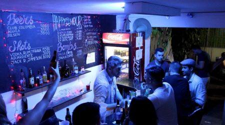 Medellin-Nightlife-Tour-Pub-Bar-Night-club-Crawl-04