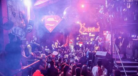 Medellin-Nightlife-Tour-Pub-Bar-Night-club-Crawl-11