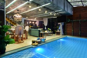 Pool-Living-Room