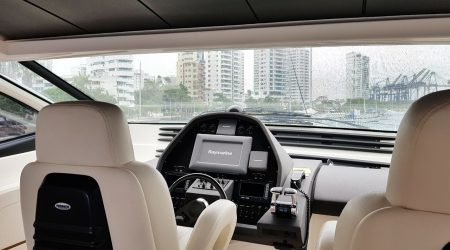 bachelor-party-cartagena-yacht-rentals-pershing62-06
