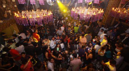 bachelor-party-medellin-nightlife-parque-lleras-disco