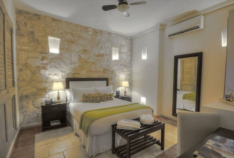 bachelor-party-tour-colombia-vacation-rentals-accommodation-cartagena-1034
