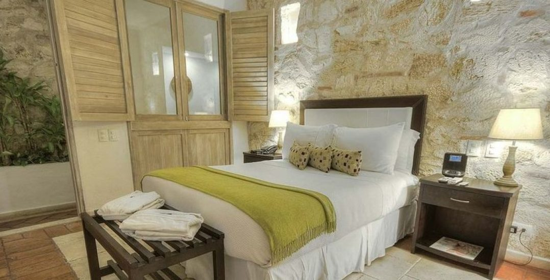 bachelor-party-tour-colombia-vacation-rentals-accommodation-cartagena-1047