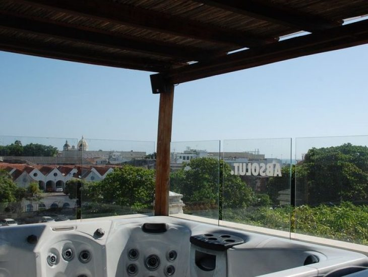bachelor-party-tour-colombia-vacation-rentals-accommodation-cartagena-895
