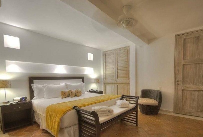 bachelor-party-tour-colombia-vacation-rentals-accommodation-cartagena-898