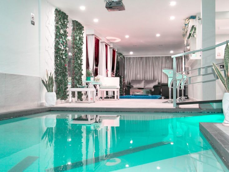 bachelor-party-tour-colombia-vacation-rentals-accommodation-medellin