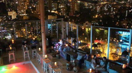 medellin-bachelor-party-nightlife-lleras-park-bar
